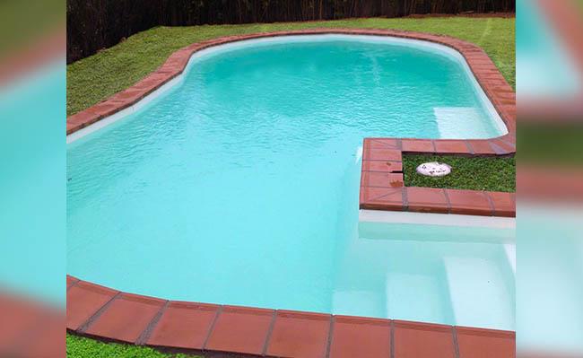 piscina de fibra modelo barreiro