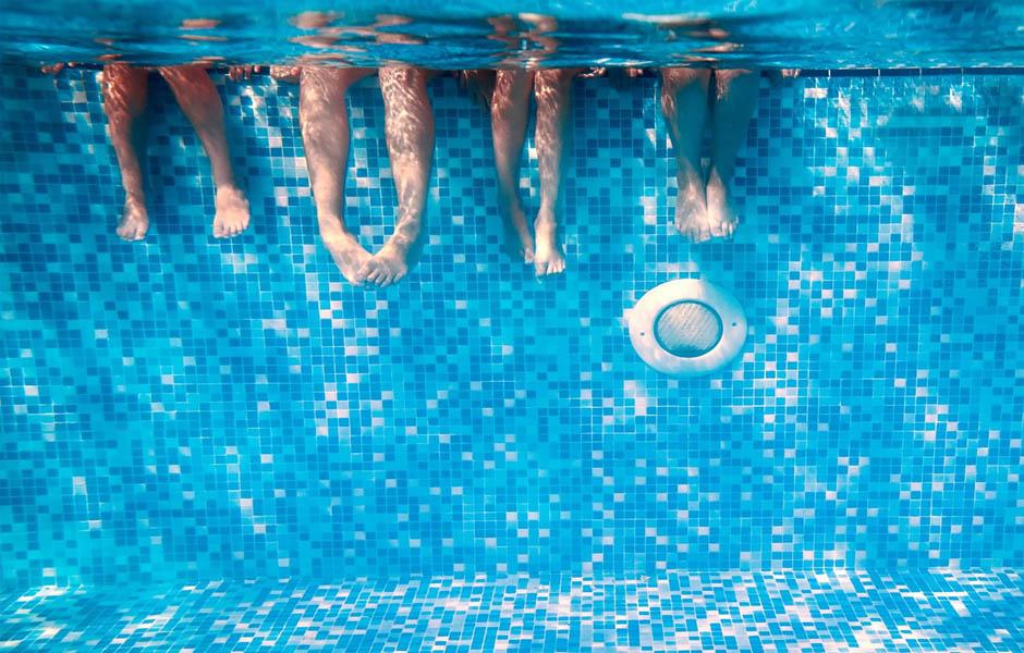 consejos tratamiento agua piscina
